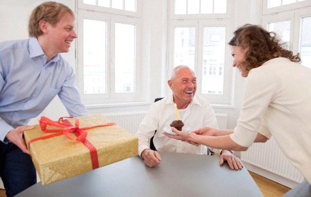 Подарок начальнику мужчине на день рождения