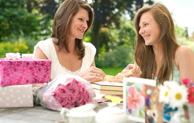 Подарок взрослой дочери на 8 марта дэниел киз цветы для элджернона купить