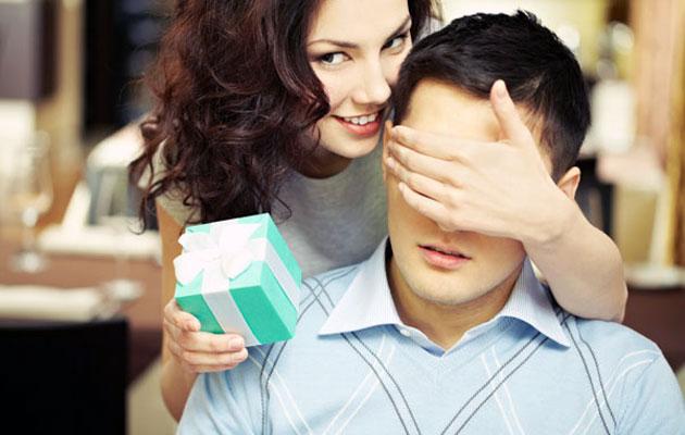 Что подарить женщине которую любишь