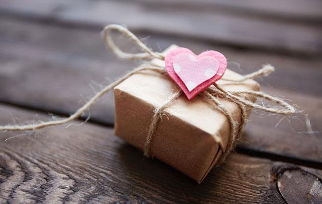 Подарок девушке на месяц отношений