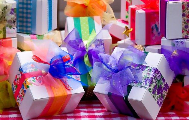 Подборка ТОП-10 подарков девушке
